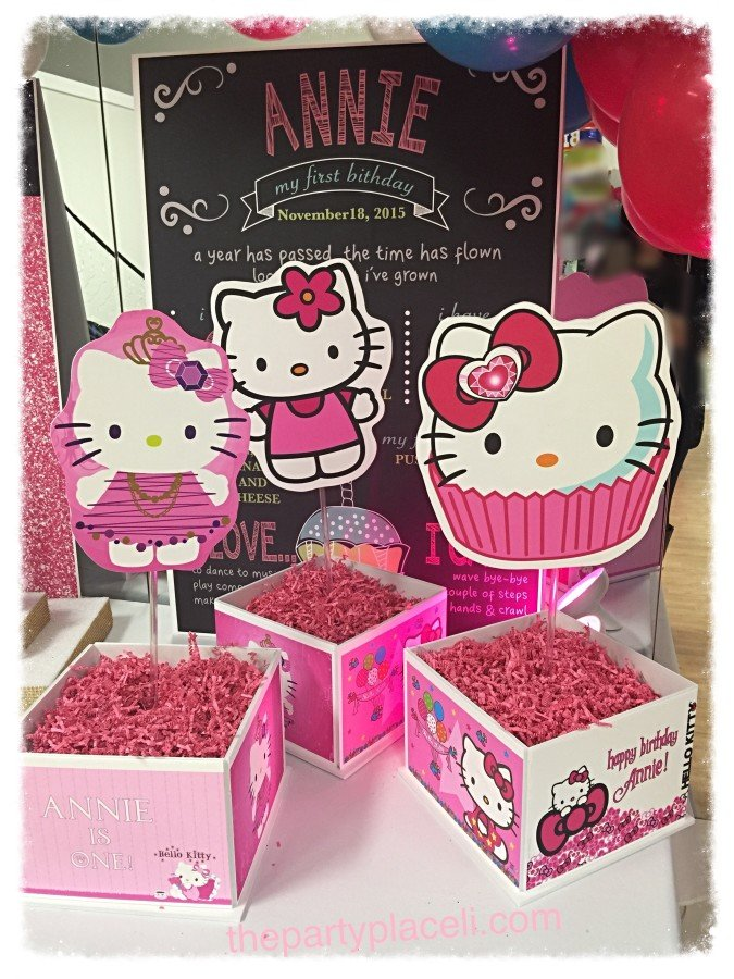 Hello Kitty Centerpieces