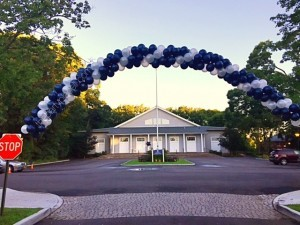 stony brook school balloon arch